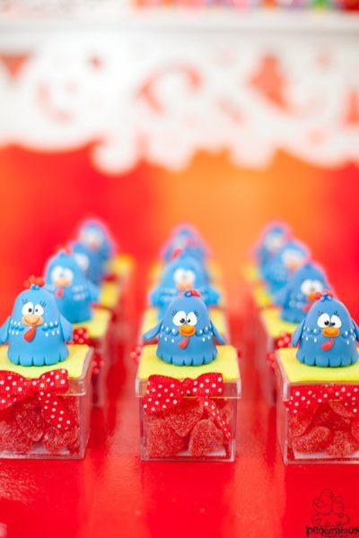 fiesta de la gallina caramelos