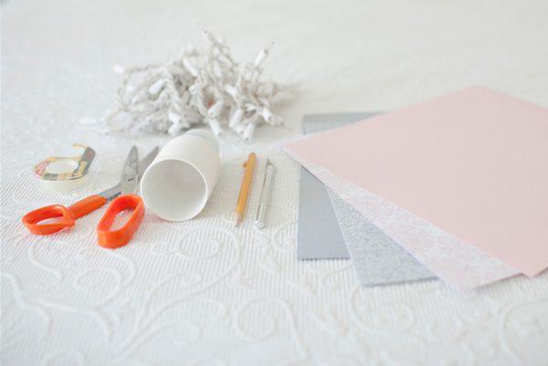 guirnalda con vasos de plástico decorados 02