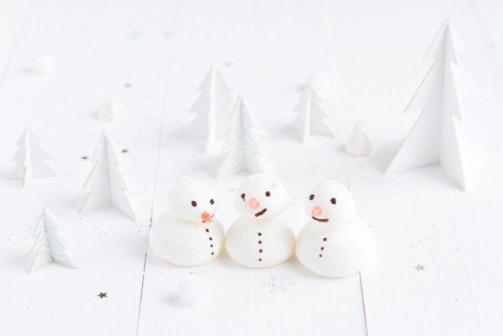 iglú de merengue para navidad postre muñecos de nieve