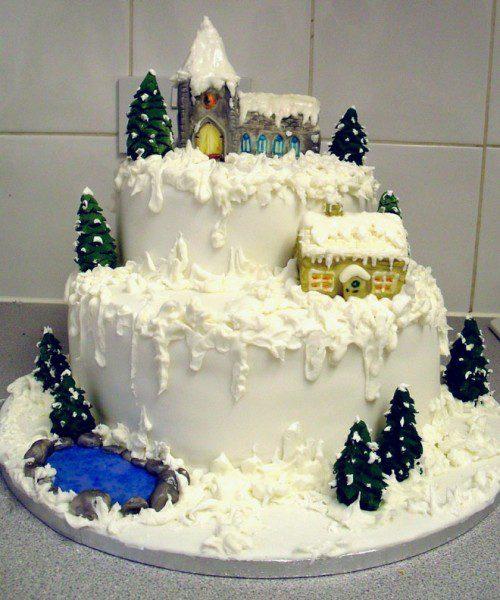 9 tartas de invierno - montaña nevada con casas