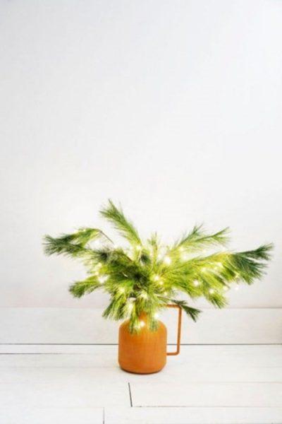 arbol-de-navidad-minimalista-ramas-de-pino-400x600