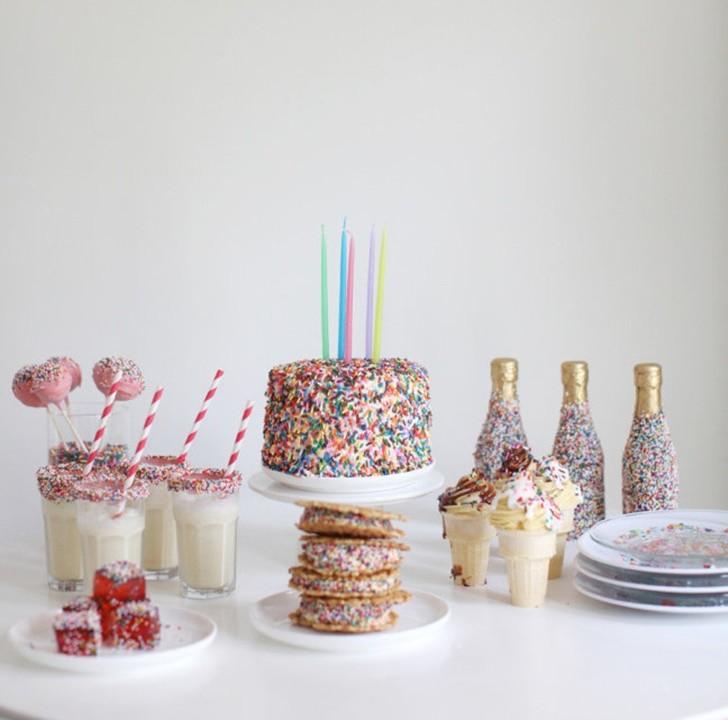 decoracion-de-fiesta-con-viruras-de-arco-iris-vista-completa