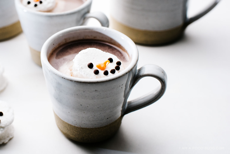 Café con Nubes de Menta en Forma de Muñeco de Nieve