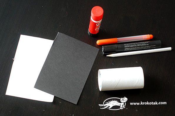 pinguinos con un tubo de papel higienico material