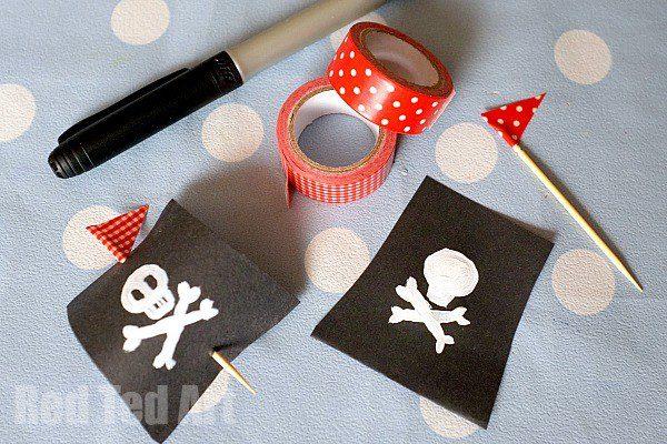barco pirata con corchos para niños materiales