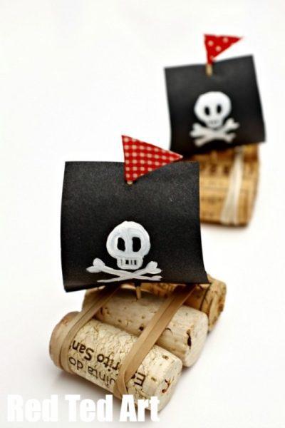 Manualiadades Recicladas: Barco pirata con corchos