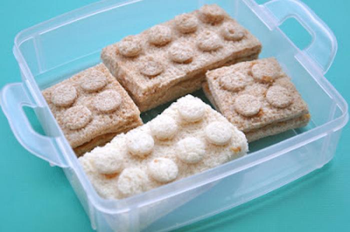 sándwiches con forma de lego