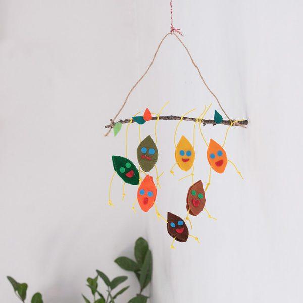 móvil de hojas trapecistas DIY para niños