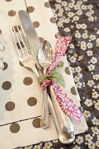 ideas para presentar los cubiertos primera comunion de nilos