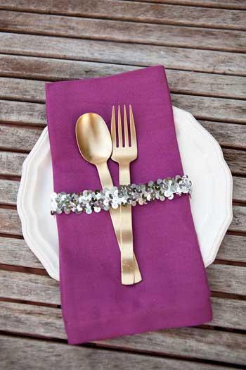ideas para presentar los cubiertos primera comunion mesa de adultos