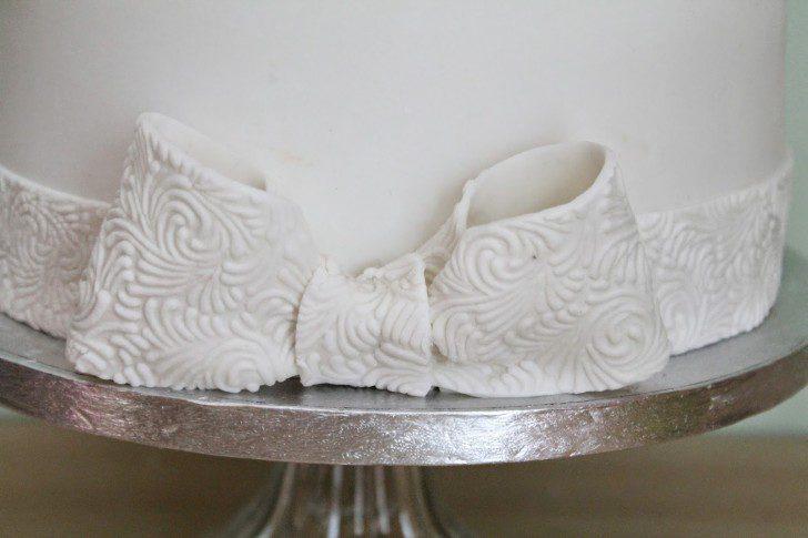 tarta de primera comunión detalle textura lazo