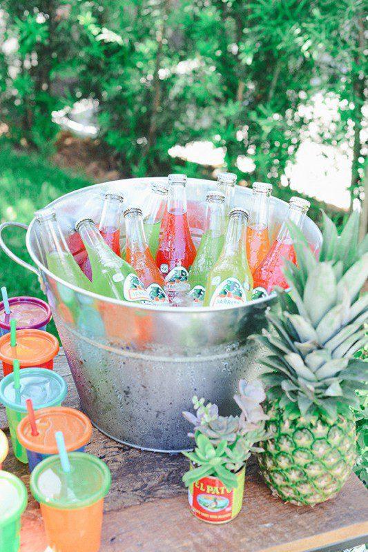 fiesta mexicana al aire libre para niños cubo bebidas