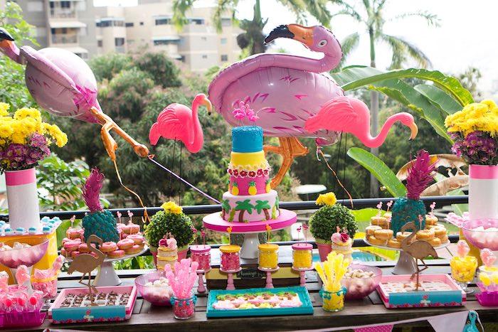 fiesta temática de flamencos mesa dulce exposicion