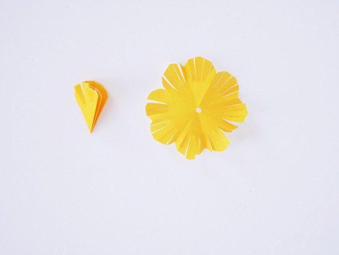 flores de colores hechas a mano para la primavera los petalos amarillos