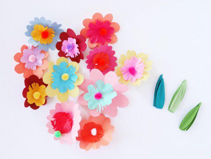 flores de colores hechas a mano para la primavera unir las flores