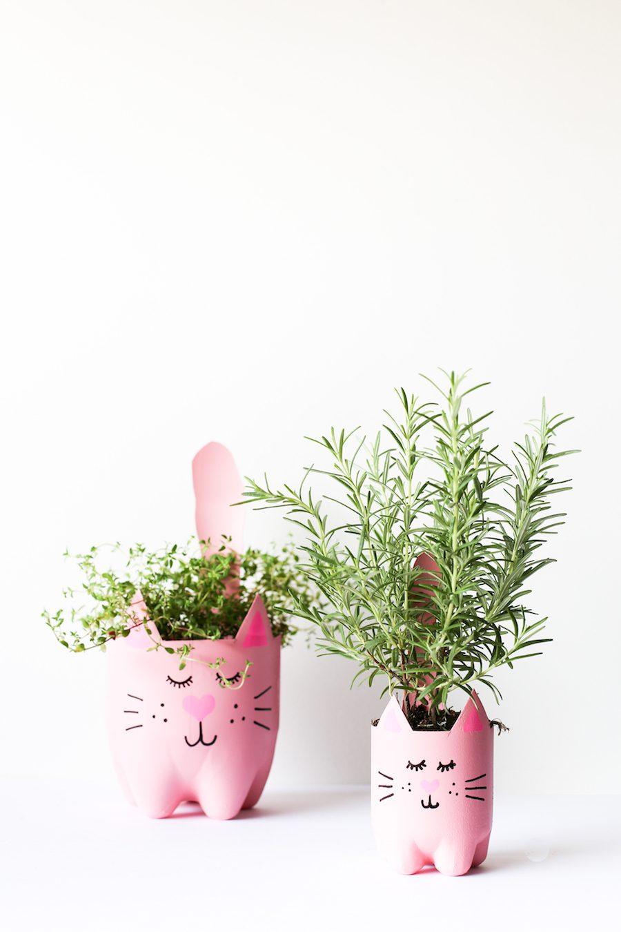 Maceteros Reciclados con Forma de Gato