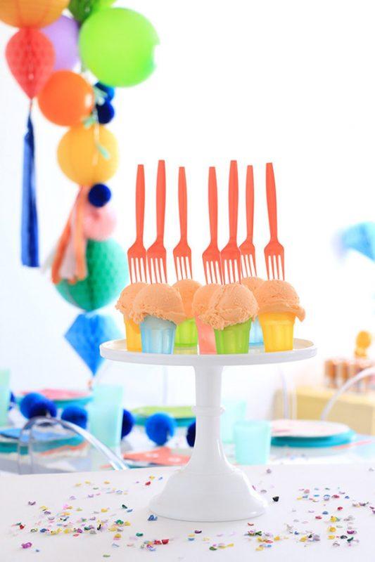 fiesta de animales y globos para niños aperitivos