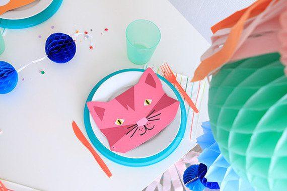fiesta de animales y globos para niños mesa