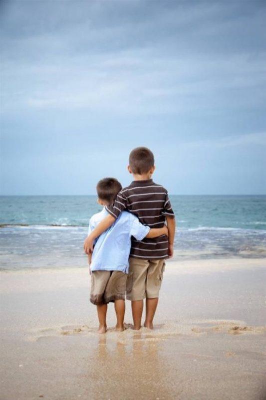 fotos de hermanos abrazados