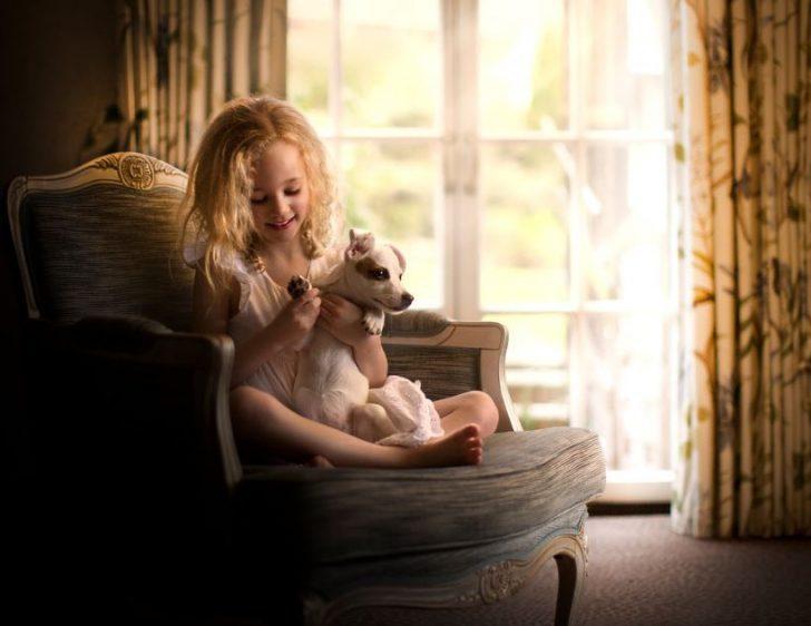 fotos de niñas con perros