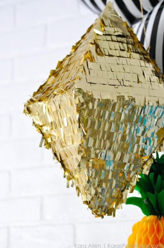 piñata de oro para fiesta infantil