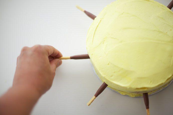 Receta de Tarta para niños. LaTarta Sol Kawaii_Paso 6 jpg