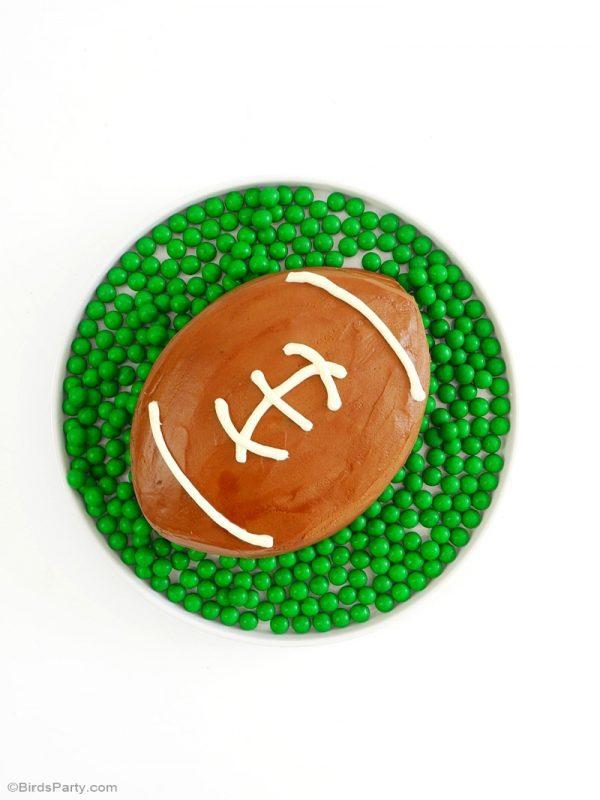 tarta-de-balon-de-futbol-americano-con-sorpresa-dentro