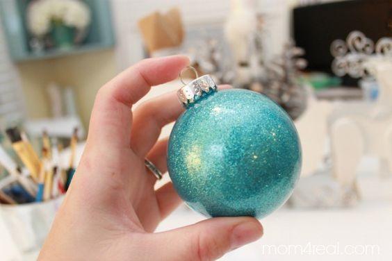 darle-brillo-bola-de-navidad-manualidades