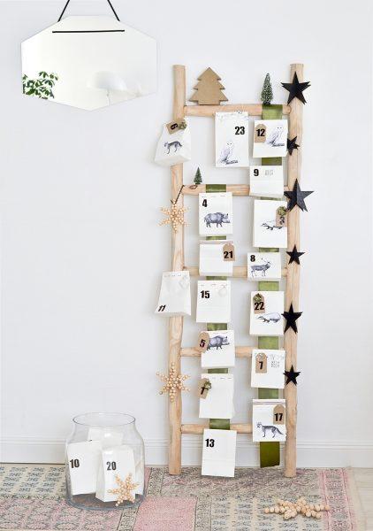 Calendario de Adviento Casero en una Escalera