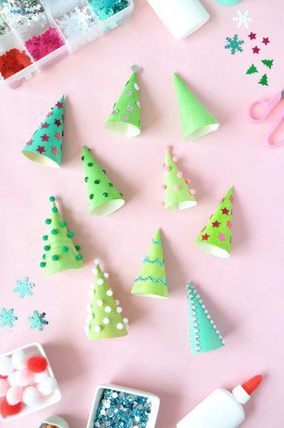 Manualidades de Navidad: Árbol con un Cono de Helado
