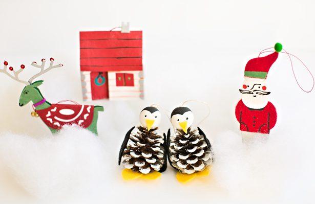 pinguinos-con-pinas-manualidades-infantiles-de-navidad