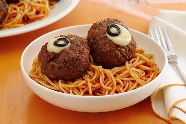 Recetas Creativas: Espaguetis Divertidos con Albóndigas
