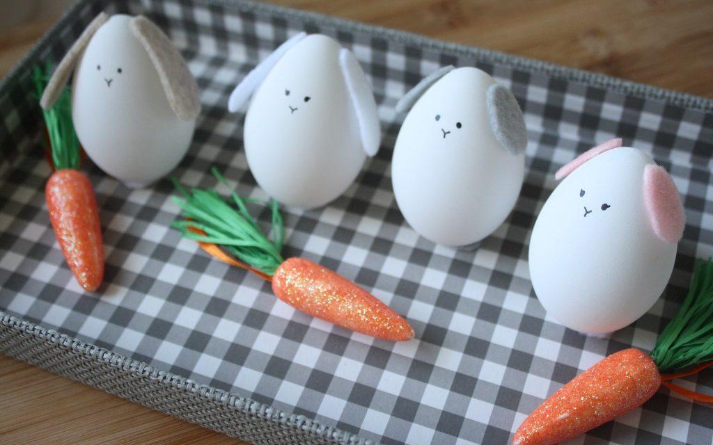 Manualidad fugaz: conejito de Pascua con un huevo