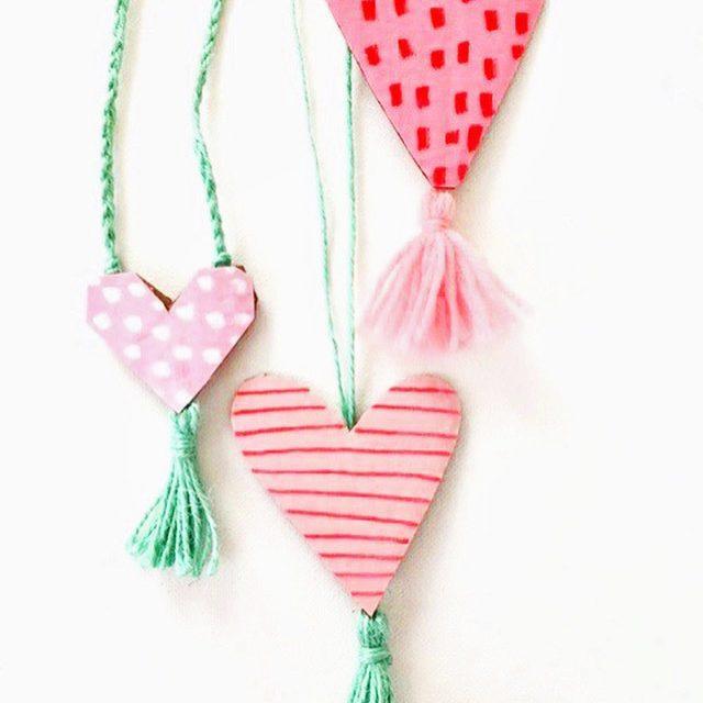 Collares de corazones de San Valentín para niños