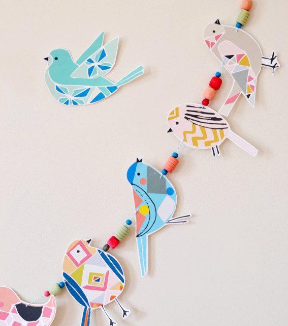 Decoración de fiestas infantiles con guirnaldas de pájaros