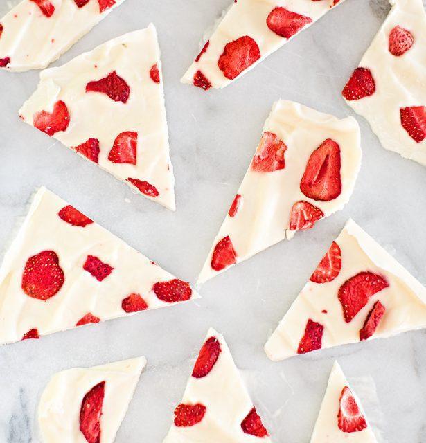 Postre de fresas y yogur súper fácil y riquísimo