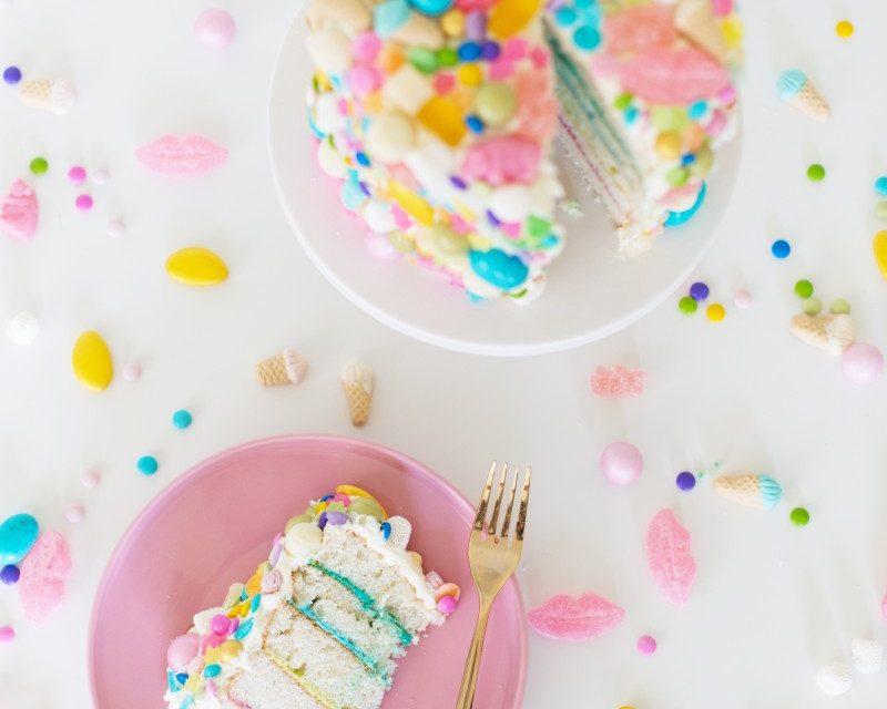 Tarta de chucherías para cumpleaños infantil