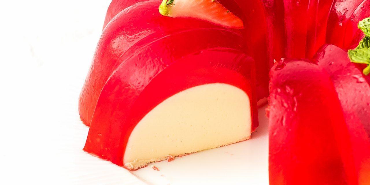 Gelatina de fresa y leche para fiestas infantiles