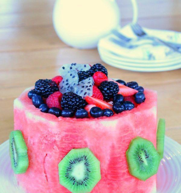 Tarta de sandía y de frutas para fiestas infantiles