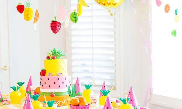 Fiesta temática de frutas y colores para bebés
