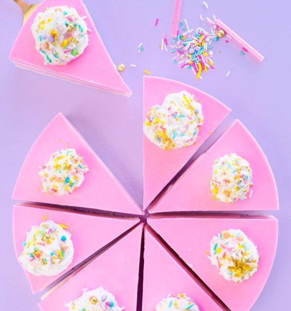 Jabón artesanal con forma de tarta