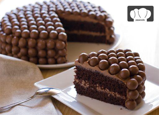 Tarta de chocolate especiado y Maltesers: ideal para fiestas infantiles